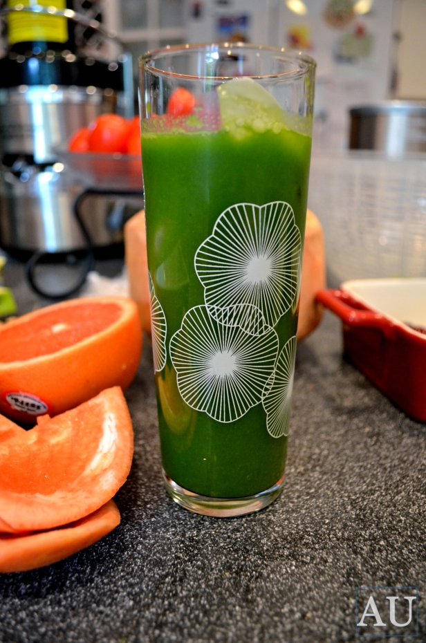 Alex's Astavakrasana Green Juice