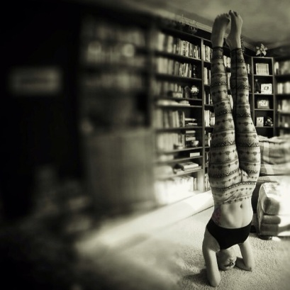 Today's a #headstand day. #yoga #yogaeverydamnday #yogi