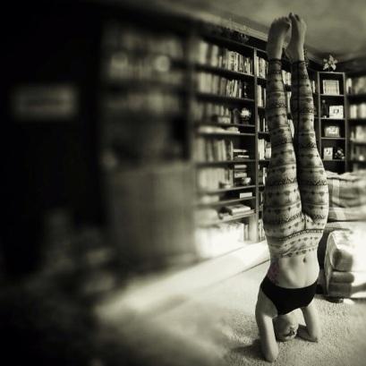 Today's a #headstand day. #yoga #yogaeverydamnday #yogi